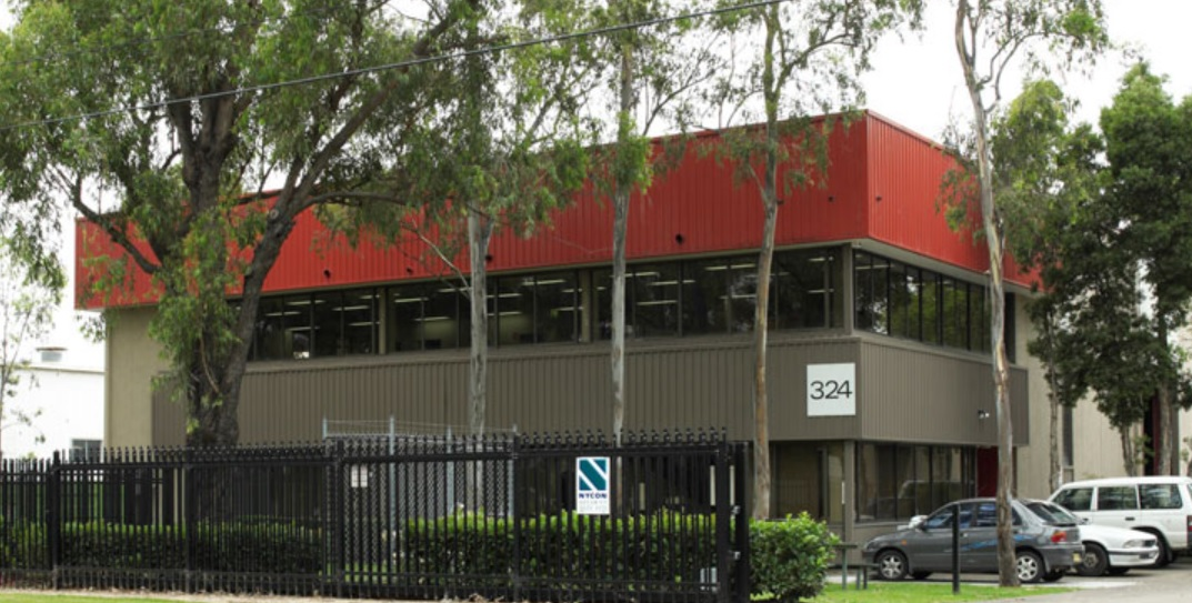 Industrial property for lease in smithfield 948 1